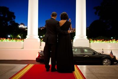 President Barack Obama and Michelle Obama Wave Goodbye to President Shimon Peres of Israel Photo
