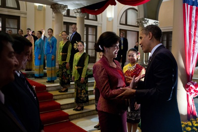 President Barack Obama Talks with Thai Prime Minister Yingluck Shinawatra Photo