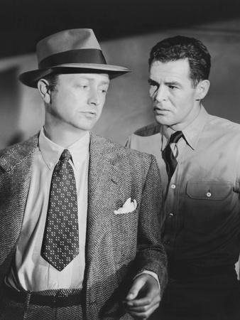 Crossfire, from Left: Robert Young, Robert Ryan, 1947 Photo