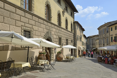 Shops and Restaurants, Via Ferruccio, Castellina in Chianti, Siena Province, Tuscany, Italy, Europe Photographic Print by Peter Richardson