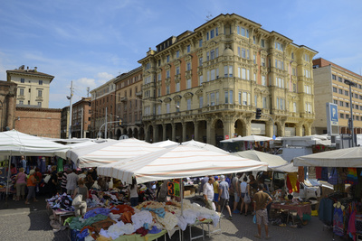 Street Market, Via Irnerio, Bologna, Emilia-Romagna, Italy, Europe Photographic Print by Peter Richardson