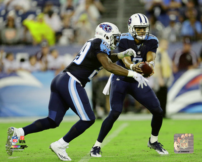 Marcus Mariota & DeMarco Murray 2016 Action Photo