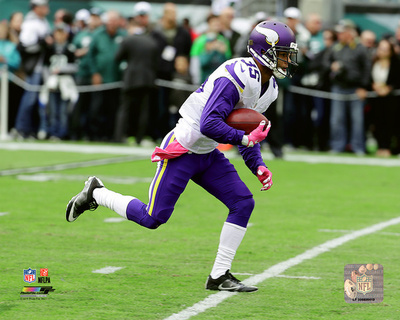 Marcus Sherels 2016 Action Photo