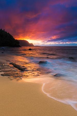 Sunset over the Na Pali Coast from Hideaways Beach, Princeville, Kauai, Hawaii Fotoprint av Russ Bishop