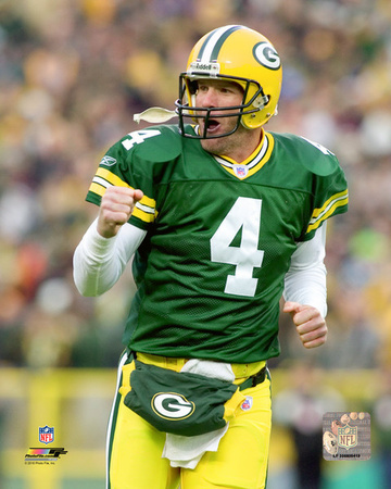 NFL: Brett Favre 2004 Action Photo
