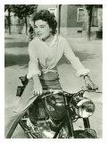 Affiche représentant une étoile italienne sur une moto Gilera de 1952 Reproduction procédé giclée