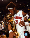 Ben Wallace Kissing 2004 NBA Championship Trophy  ©Photofile Photographie