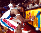 Ben Wallace Celebrating 2004 NBA Championship by Spray Painting  ©Photofile Photographie