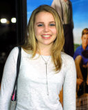 Mae Whitman Photo