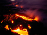 Lava from Kilauea Swirls before Flowing into the Ocean Near Kamoamoa Fotografisk tryk af Chris Johns