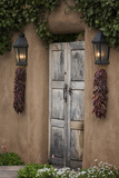 New Mexico, Santa Fe. Weathered Door to Home Reproduction photographique par Jaynes Gallery