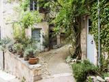 France, Provence. the Village of Lacoste Fotografisk tryk af Julie Eggers