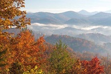 Tennessee. Morning Light Fog in Valleys Smoky Mountain National Park Viewed from Foothills Parkway Reproduction photographique par Trish Drury