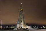 Hallgrimskirkja Church in Downtown in Winter in Reykjavic, Iceland Stampa fotografica di Chuck Haney