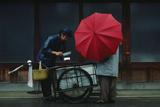 A Vendor Delivers Tofu Door-To-Door Fotografisk tryk af Chris Johns