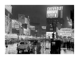 Times Square at night, NYC, 1951 Giclée-Druck von  Anonymous