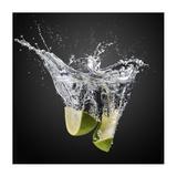 Fresh Limes! Giclee Print by Isma Yunta