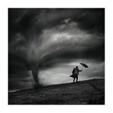 Man In The Wind Reproduction procédé giclée par Radovan Skohel