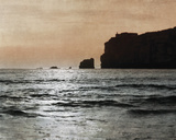 Nazare Bay Giclee Print by Pete Kelly