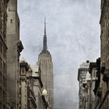 5th Avenue Empire Giclee Print by Pete Kelly