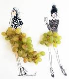 Grape Girls Poster di Meredith Wing
