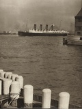 The Mauretania, 1910 Posters by Alfred Stieglitz