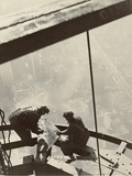 Empire State Building, New York, 1931 Digital image courtesy of the Getty's Open Content Program. Art par Edward Hine