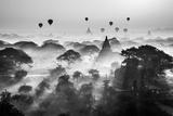 Balloons Over Bagan Kunstdruck