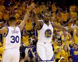2017 NBA Finals - Game Two Foto af Ezra Shaw