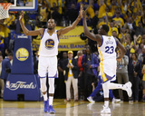 2017 NBA Finals - Game Five: Kevin Durant and Draymond Green Photographie par Ezra Shaw