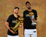 2017 NBA Finals - Portraits: Stephen Curry and Kevin Durant Photographie par Jesse D Garrabrant