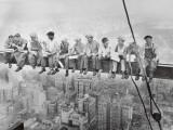 Lunch uppe på en skyskrapa, ca 1932 Planscher av Charles C. Ebbets