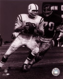 Johnny Unitas - Passing Action (B&amp;W) Photo