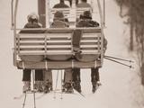 Skieurs sur un télésiège Photographie par Jack Hollingsworth