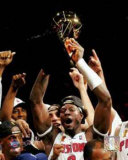 Ben Wallace Raising 2004 NBA Championship Trophy Photographie