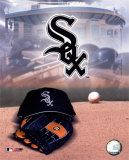 Chicago White Sox - '05 Logo / Cap and Glove Photo