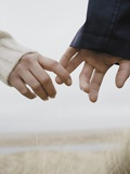 Couple Holding Hands Fotografie-Druck