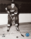 NHL: Norm Ullman - Posed Photo