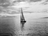 Ray Krantz - Alotola Yacht in Calm Water Fotografická reprodukce