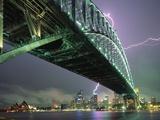 Ponte e fulmine sul porto di Sydney Stampa fotografica di Paul Souders