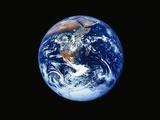 Erde vom Weltraum aus Fotografie-Druck von L. Clarke