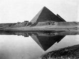 Pyramid of Cheops Reflected in Nile River Fotografisk tryk