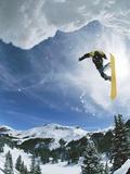 Salto de snowboard Lámina fotográfica por Doug Berry