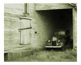 Old Truck and Barn Photographie par James Davidson