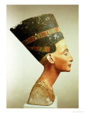Bust of Queen Nefertiti, Side View, from the Studio of Thutmose at Tell El-Amarna Giclee Print by 18th Dynasty Egyptian