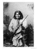 Geronimo Holding a Rifle, 1884 Giclée-tryk