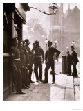 Recruiting Sergeants at Westminster, Woodbury Type Photograph Reproduction procédé giclée par John Thomson