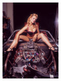 Pin-Up Girl: V8 Engine Lámina giclée por David Perry