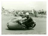 Moto Guzzi Dustbin GP Motorcycle Race Reproduction procédé giclée par Giovanni Perrone