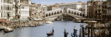 Bridge Over a Canal, Rialto Bridge, Venice, Veneto, Italy Fotografisk tryk af Panoramic Images